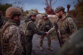 Президент відвідав передові позиції українських військових на Донбасі