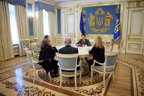 Президент передав орден Держави сім'ї загиблого Героя України Андрія Кузьменка