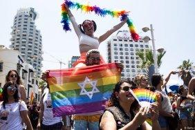 Верховный суд в Израиле разрешил однополым парам иметь детей