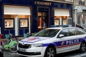 Man on scooter steals millions from upmarket Paris jeweller